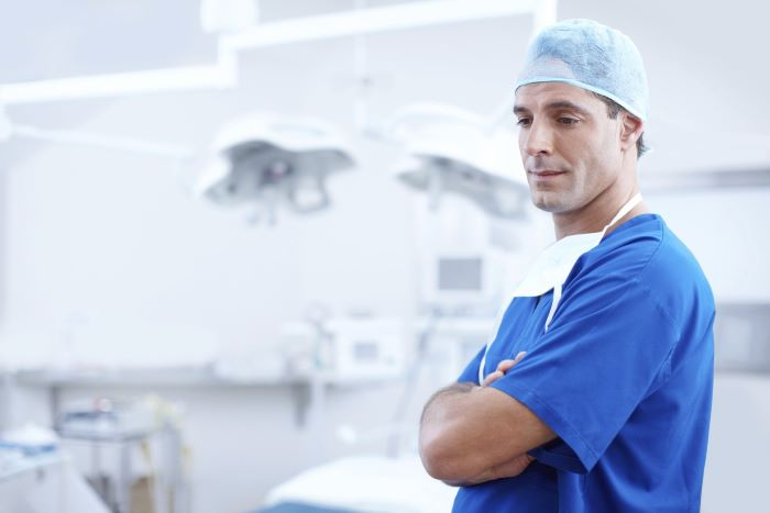 image-of-surgeon