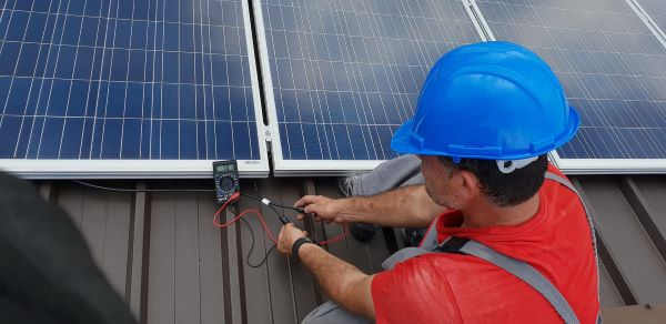technician-solar-panels